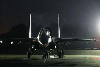 空军下半夜实战化飞行训练 训练全时作战能力