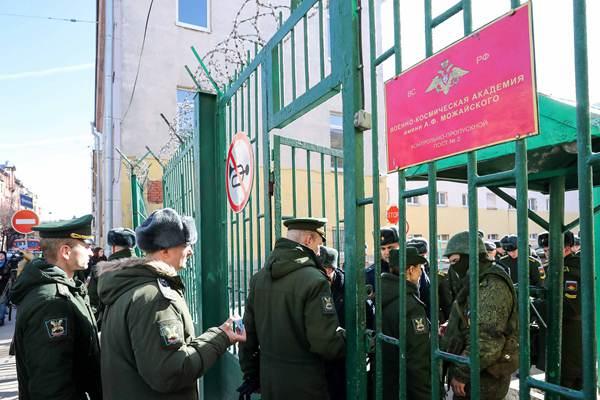 俄圣彼得堡一军事学院发生爆炸 3名学员受伤