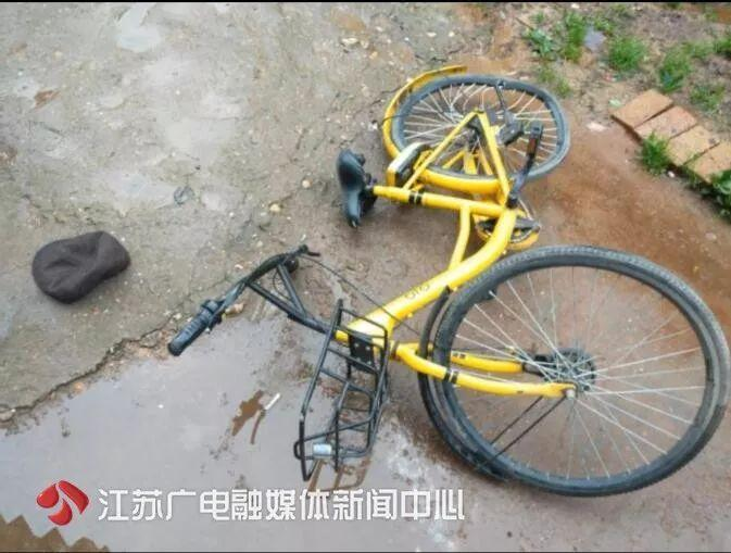 谁干的?居民楼上竟抛下一辆自行车,78岁老人被砸身亡!