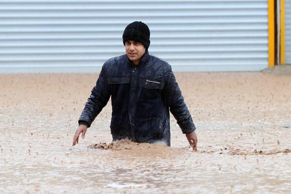 伊朗洪灾已造成至少45人死亡