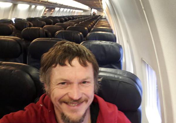 立陶宛男子登机发现仅自己一人 尽享包机之旅