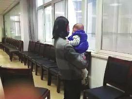 """""""富二代""""虚构身份骗19名女子 4人为他生娃2人待产"""