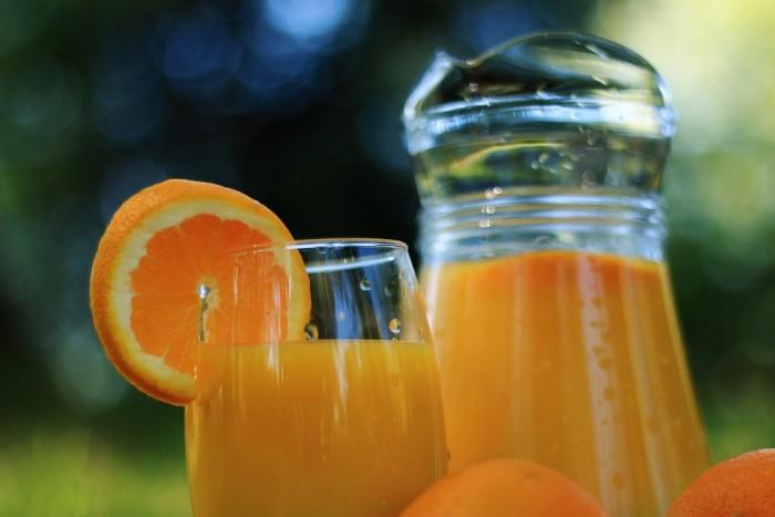 水果榨汁更营养?别闹了,果汁和本尊不是一回事
