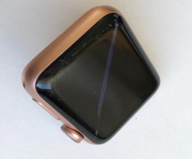 诉讼指控苹果无视Apple Watch电池的鼓包问题