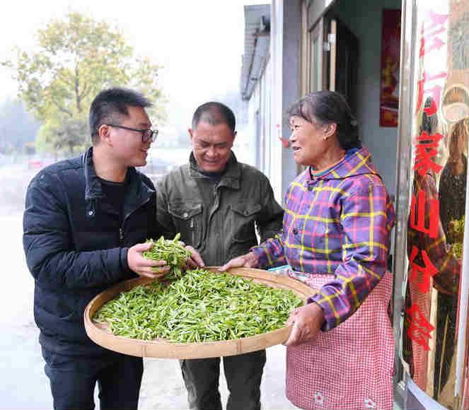 发展合作联社助力村民增收致富