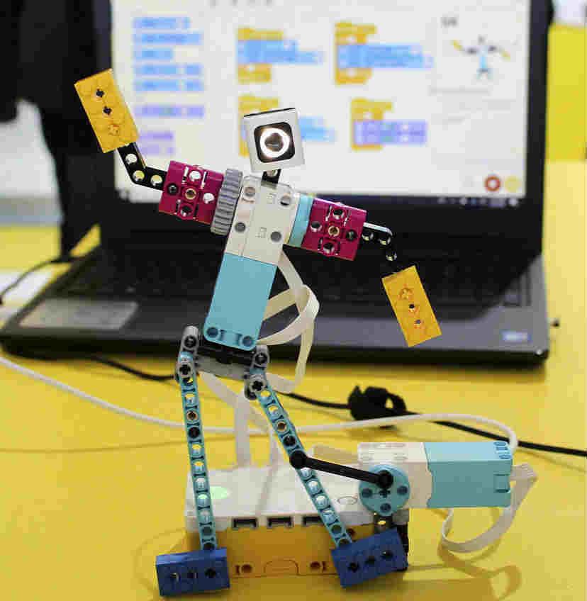 乐高推出可编程机器人 适用于学校教育