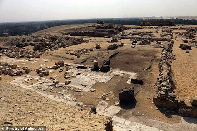 4300年前埃及贵族墓被发现 内有彩色壁画碑文