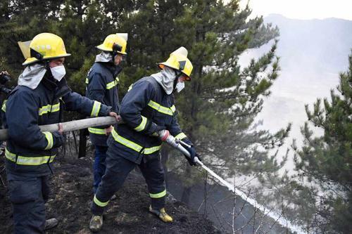 奋战6天6夜 山西沁源森林火灾外线明火全部扑灭