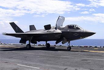 美菲联合海上演习 美军先进装备倾巢而出