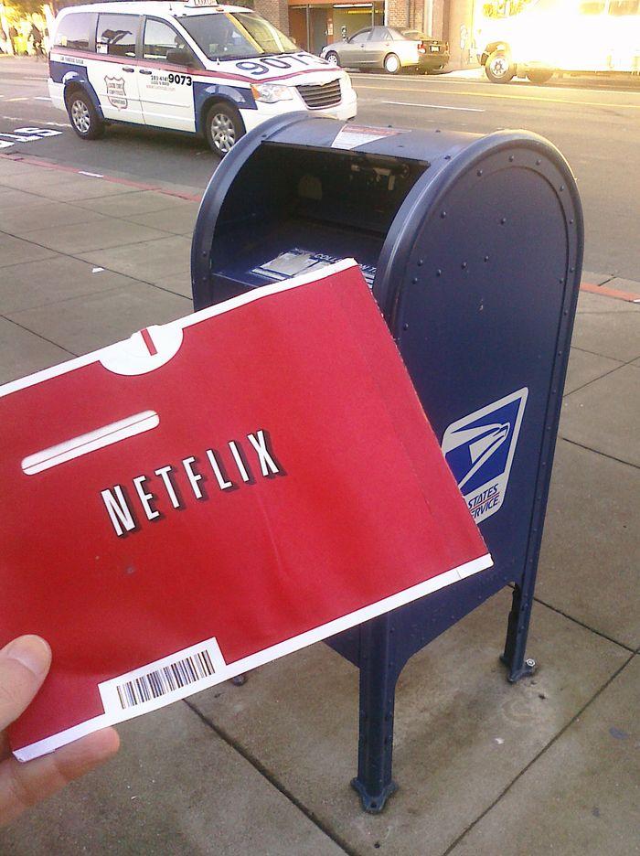Netflix的线上DVD租赁业务创造了2.12亿美元收入