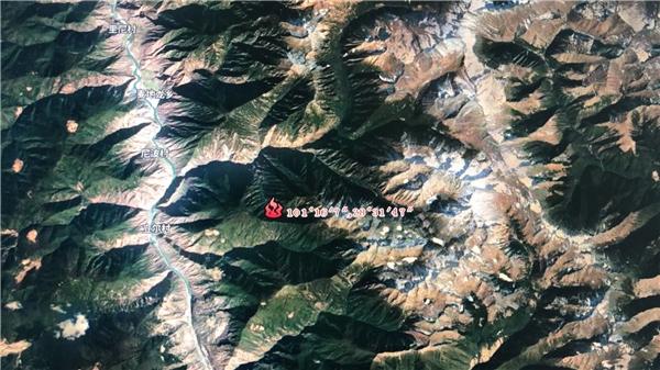 木里火场复燃丨火情主要分布于火场东南部的山脊两侧