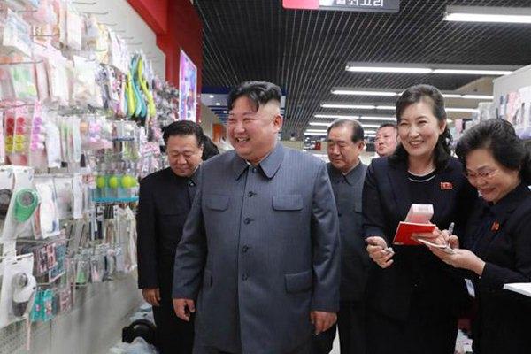 金正恩视察百货商店 称赞商品种类多质量高