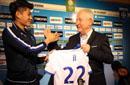法国欧塞尔足球俱乐部欢迎中国球员季骁宣加盟