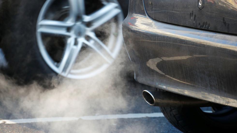 欧盟指控德国车企排放技术垄断 宝马或遭巨额罚款