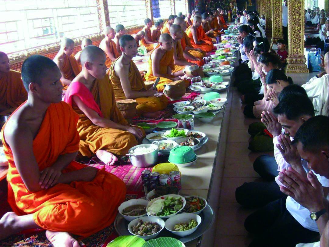 祭亡者,柬埔寨有三个节日
