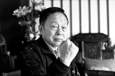 首届央视春晚总导演黄一鹤去世 享年85岁