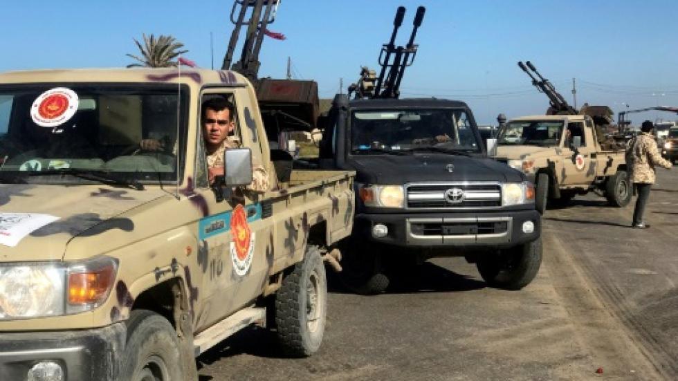 """利比亚""""国民军""""攻打首都 已致46死50多伤"""