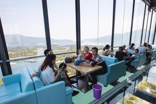 """江西庐山西海建99米""""高空咖啡屋"""""""