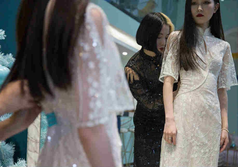 成都95后女孩自创改良旗袍品牌 年流水超千万