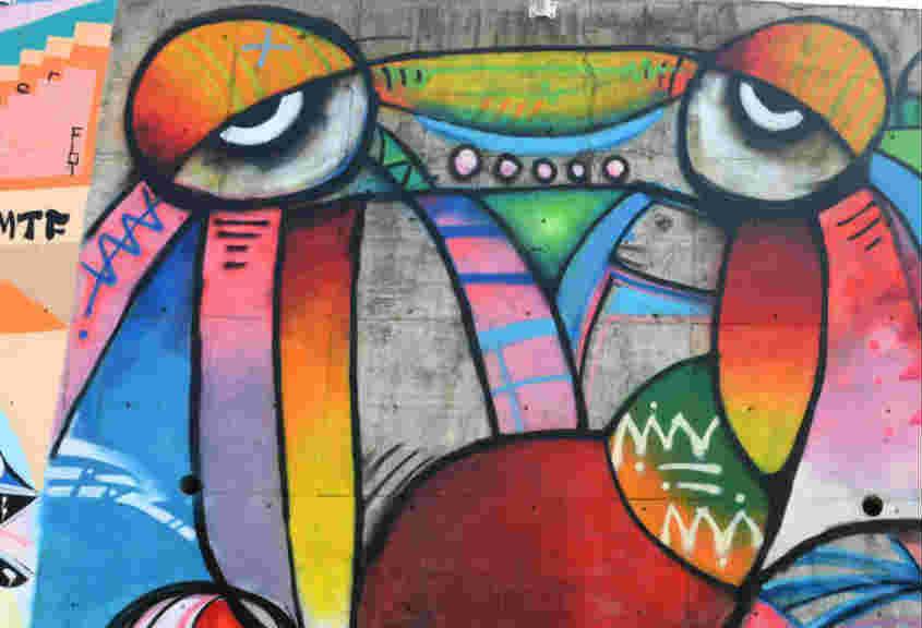 酷炫!2500平方米涂鸦墙亮相重庆两江新区