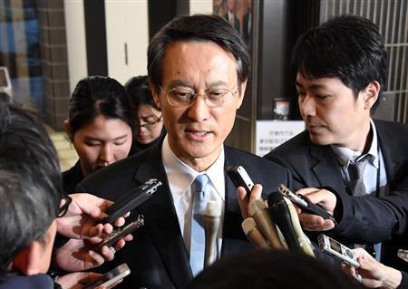 安倍会见韩国驻日本大使李洙勲,要求韩方妥善处理日韩关切问题