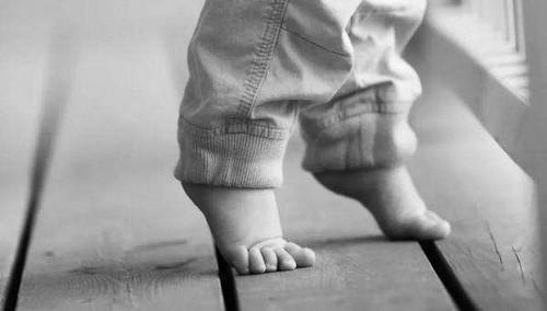 """孩子""""长脚不长个"""" 是误传"""