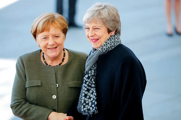 英国首相特雷莎·梅赴柏林会晤默克尔 探讨英国脱欧问题