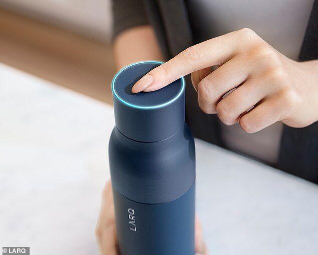 世界首个自净化水瓶问世 可杀死99%以上的细菌