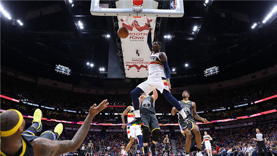 NBA常规赛:勇士112-103鹈鹕