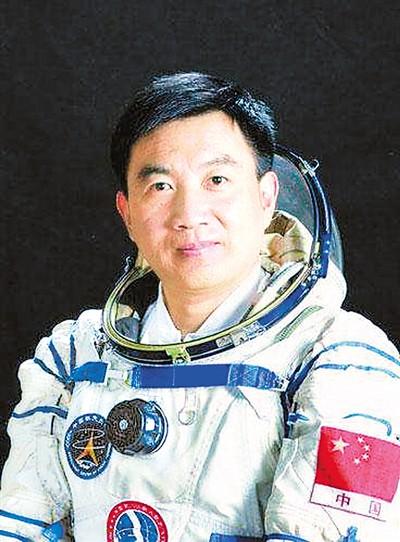 飞天有梦 壮志无悔 记中国退役航天员吴杰