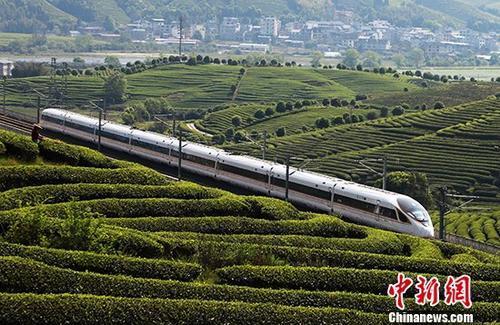 全國鐵路實施新的列車運行圖 優化高鐵列車開行方案