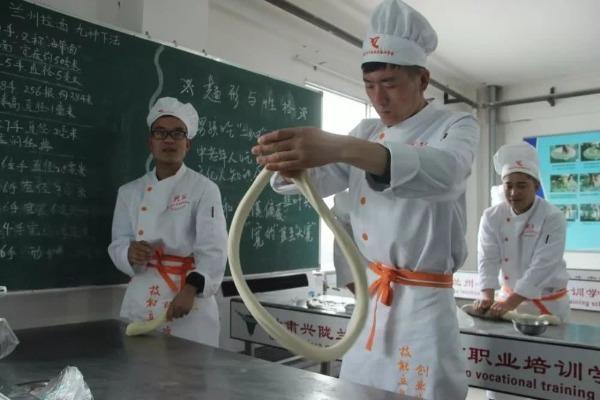 美媒:从一碗牛肉面里发现的中国扶贫经验