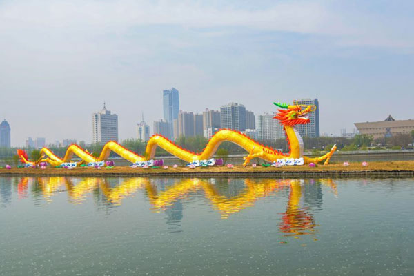 """山西汾河126米""""中华第一巨龙""""换新装"""