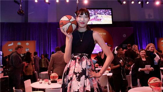 中国历史第6人!韩旭正式进军WNBA