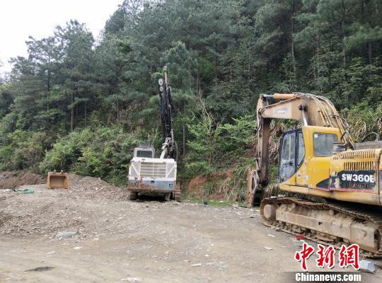 杭州打掉一非法采矿犯罪团伙 15名嫌疑人落网