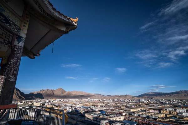 西藏狮泉河镇:红柳滩上崛起的高原重镇