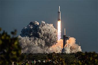 美国重型猎鹰火箭最新一次发射获得成功