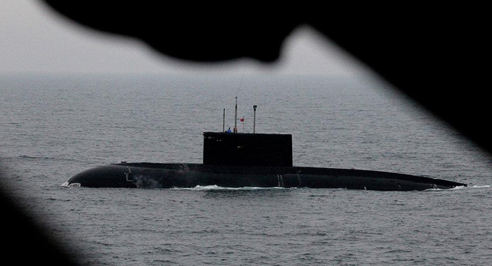 俄潜艇在黑海潜射口径导弹 北约军舰正在此军演