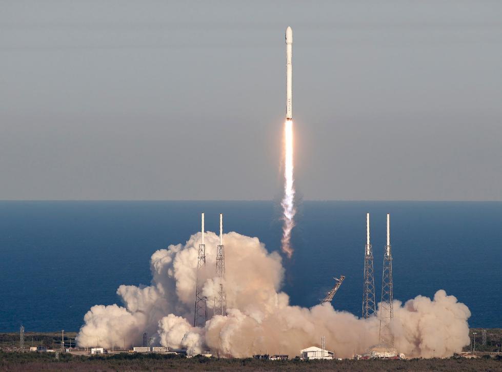 NASA将与SpaceX合作 执行双行星重定向测试任务