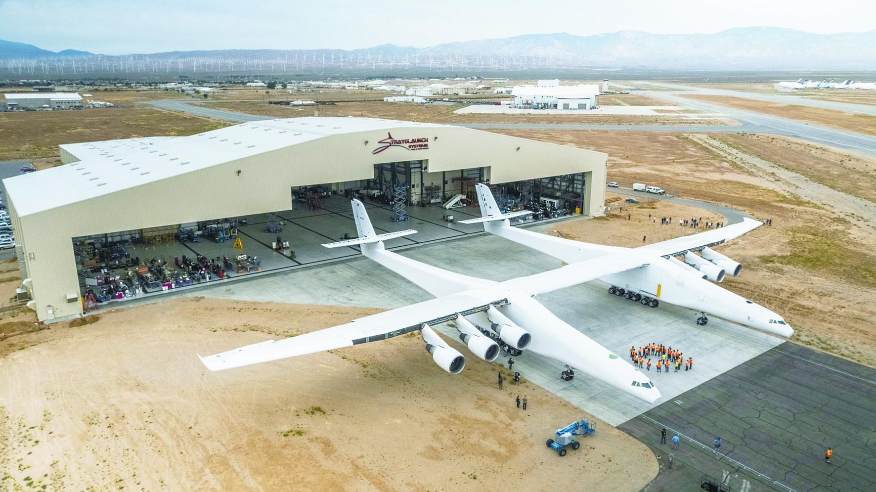 超越安225!世界最大双身飞机首飞 能空射太空船