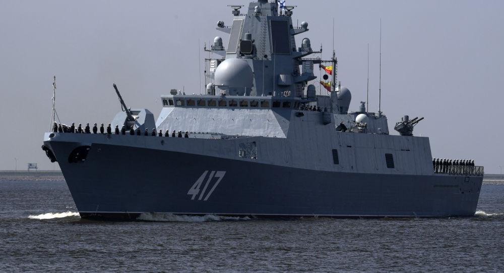 俄军新锐隐身护卫舰现身南海 正向青岛方向开进