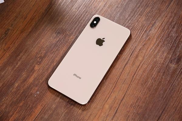 大摩:iPhone在华销量回稳 正赶超华为