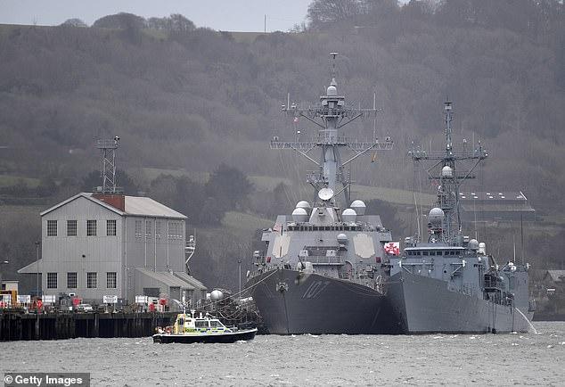 英核潜艇原要跟踪俄潜艇 却曝出船员吸毒延误行程