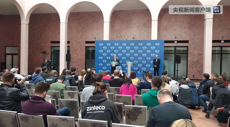 乌克兰总统大选: 波罗申科来到体育场准备辩论, 泽林斯基并未出现