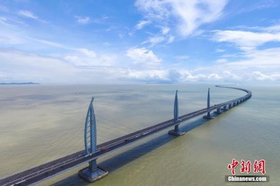 港媒 时速70公里阵风吹袭香港大屿山 港珠澳大桥限速