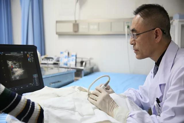"""中日医院李石良:针刀配超声揪出""""冻结肩""""的病根儿"""