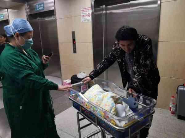 31年前出生的中国大陆首例试管婴儿,今天当妈妈了!