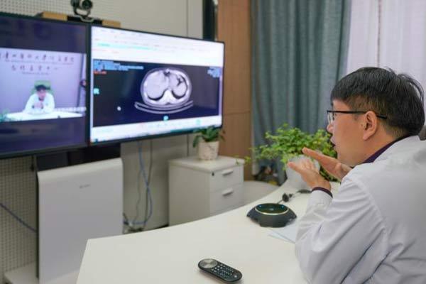 贵州省首个5G智慧医院 为患者远程看病