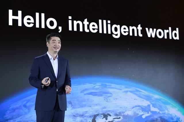 华为胡厚崑回应与苹果合作传闻:苹果不该缺席5G
