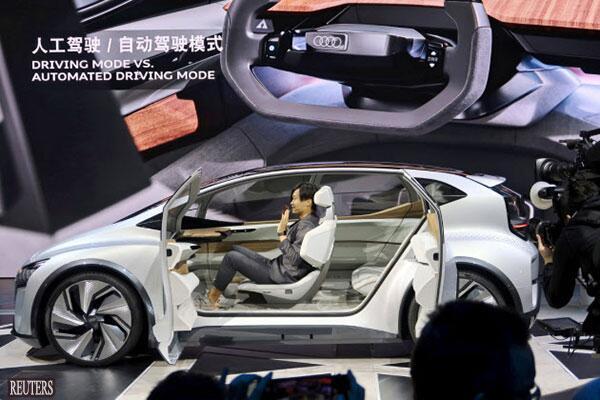 上海国际车展拉开帷幕 日本车商展示最新电动汽车
